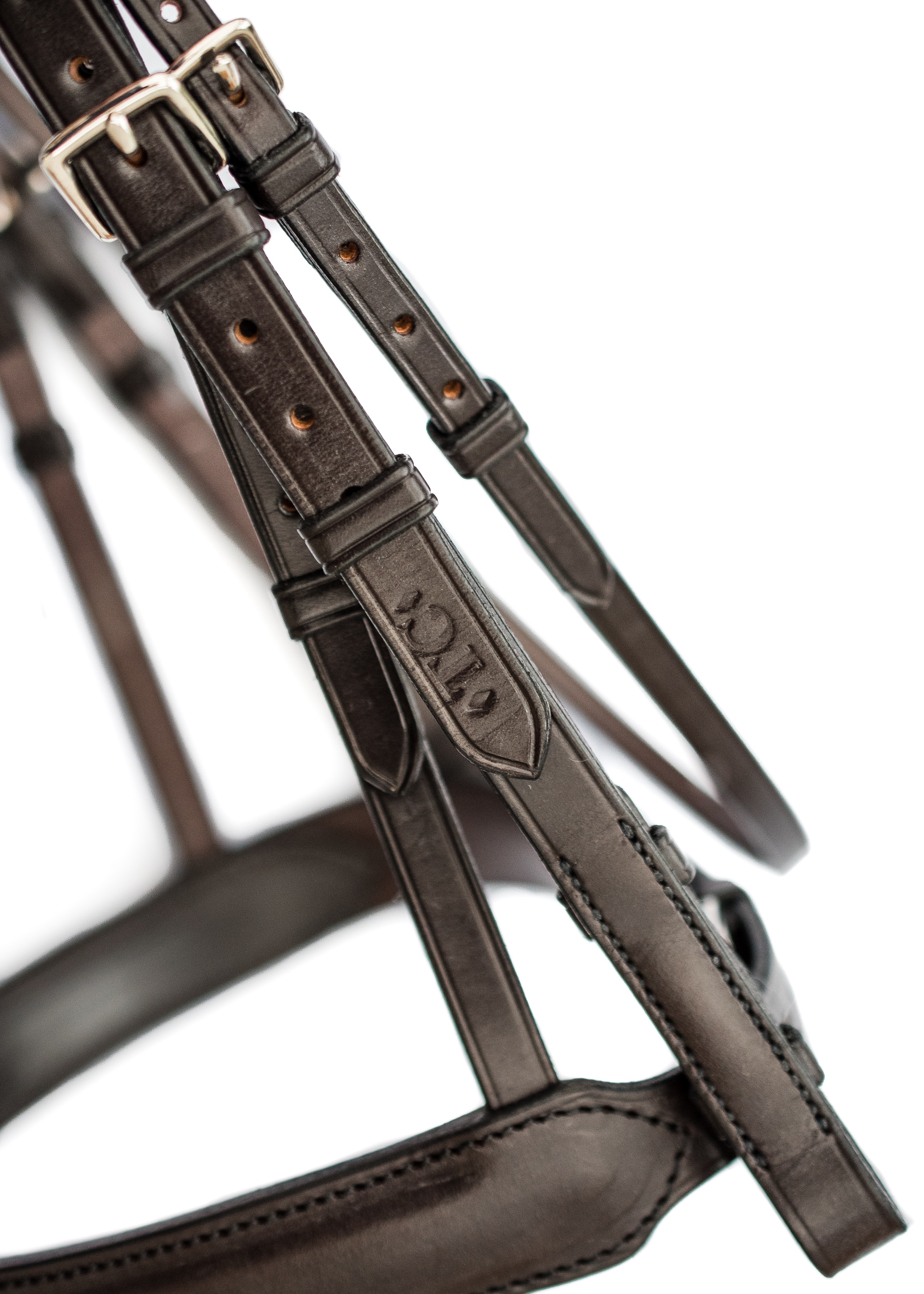 Anatomical bridle in top quality English leather by TC Leatherwork